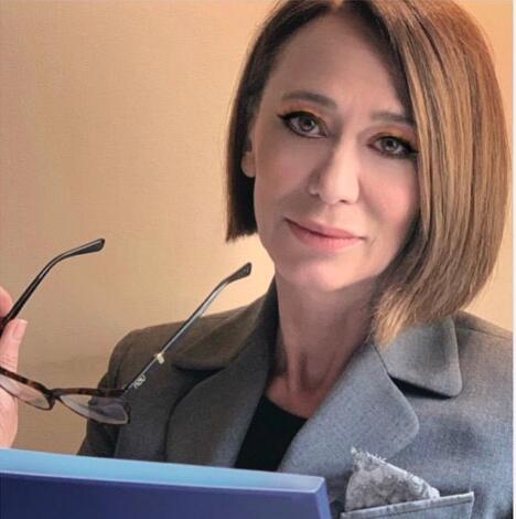 MARINA ASSANDRI - CEO – Product Manager Producer e manager di M.A. Eventi e socia di Assocastelli Presidente Associazione La Genesi